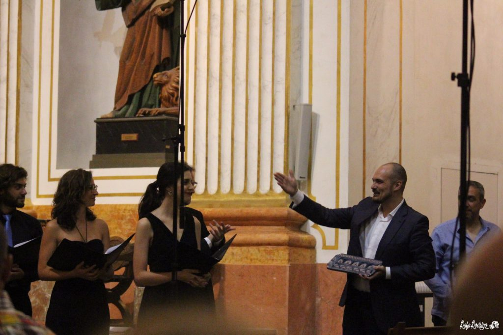 Fernando Aguilá agradeciendo a Ad Libitum la interpretación de su obra